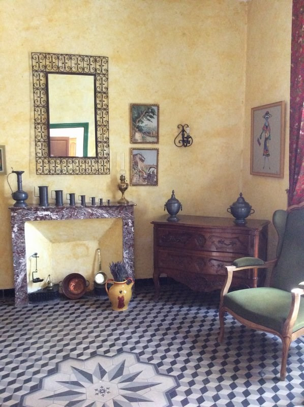 Investment property house / villa Jonquieres 493500€ - Picture 3