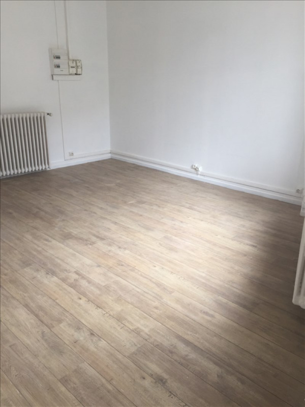 Rental apartment Vendome 280€ CC - Picture 2