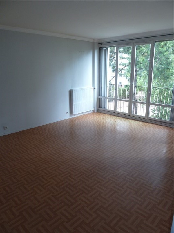 Rental apartment Andresy 914€ CC - Picture 2