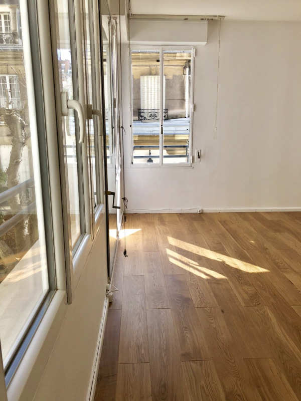 Sale apartment Paris 16ème 374000€ - Picture 2