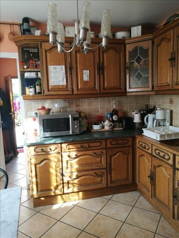 Sale house / villa La chaussee st victor 245000€ - Picture 3