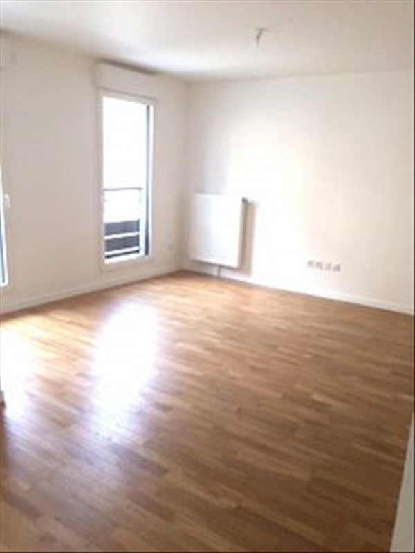 Rental apartment Creteil 775€ CC - Picture 1