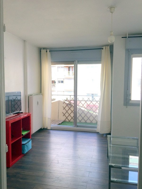 Location appartement Paris 15ème 895€ CC - Photo 3
