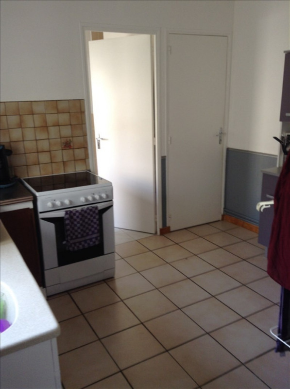 Rental house / villa St quentin 560€ CC - Picture 5