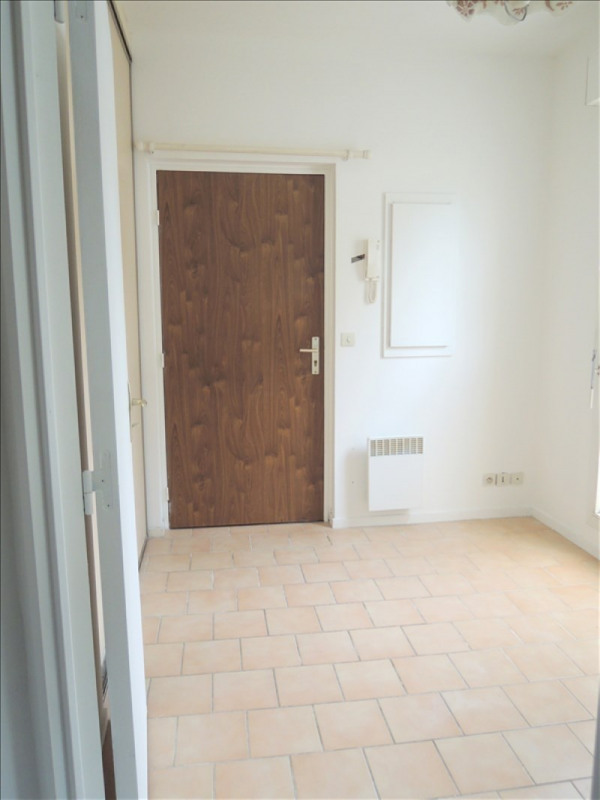 Location appartement Melun 348€ CC - Photo 2