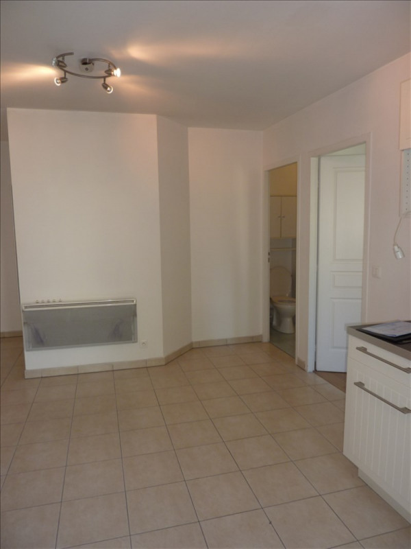 Rental apartment Claye souilly 765€ CC - Picture 3