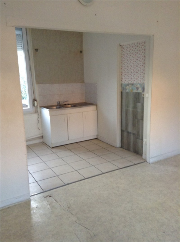 Rental apartment St quentin 540€ CC - Picture 2