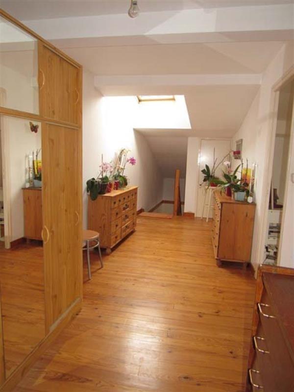 Sale house / villa Saint-jean-d'angély 122400€ - Picture 4