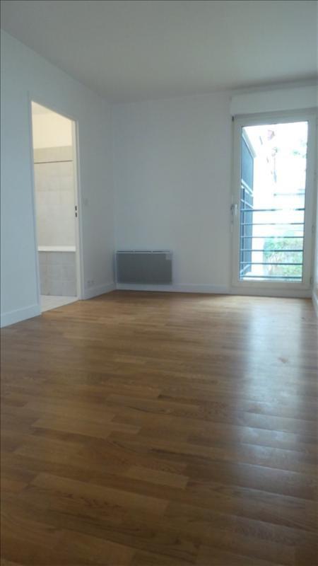 Location appartement Asnieres sur seine 1080€ CC - Photo 3