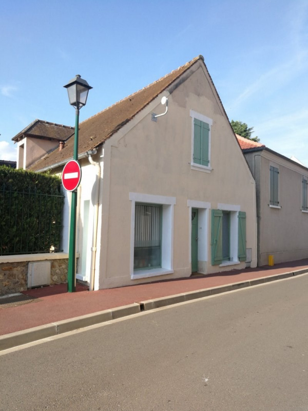 Location maison / villa Plaisir 750€ +CH - Photo 1