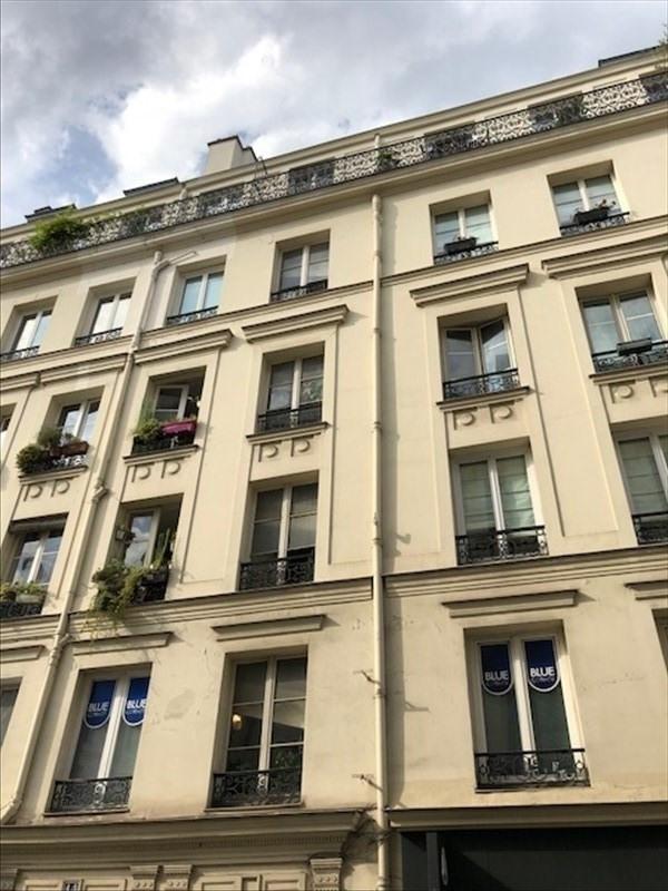 Rental apartment Paris 3ème 915€ CC - Picture 1
