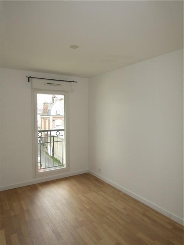 Rental apartment St ouen l aumone 949€ CC - Picture 7