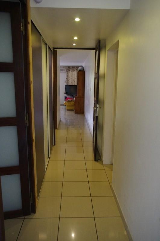 Sale apartment St gilles les bains 292000€ - Picture 3