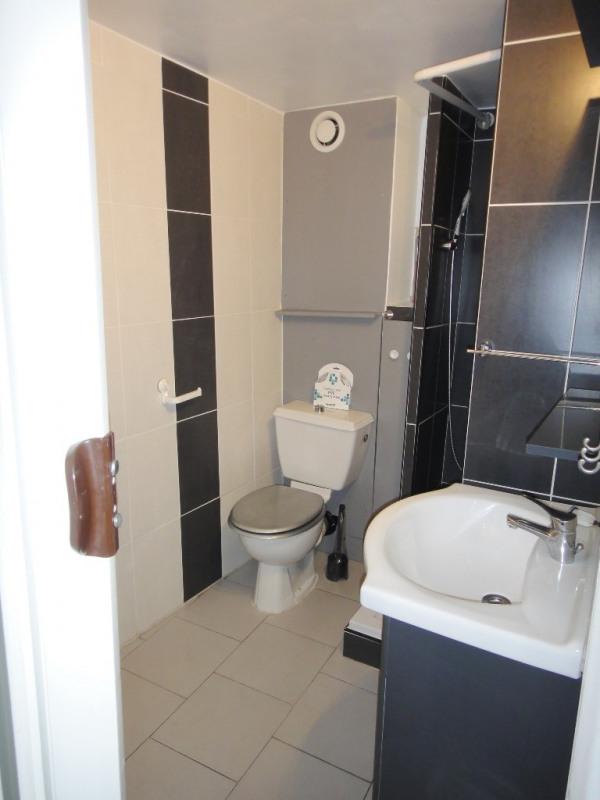 Location appartement Saint-mitre-les-remparts 470€ CC - Photo 4