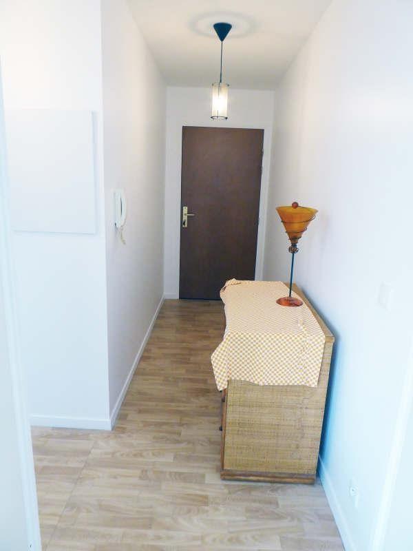 Rental apartment Elancourt 823€ CC - Picture 4