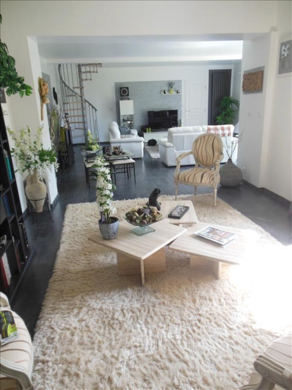 Sale house / villa Belbeuf 379000€ - Picture 2