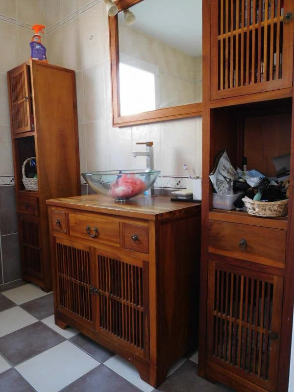 Sale house / villa St laurent d arce 325000€ - Picture 7