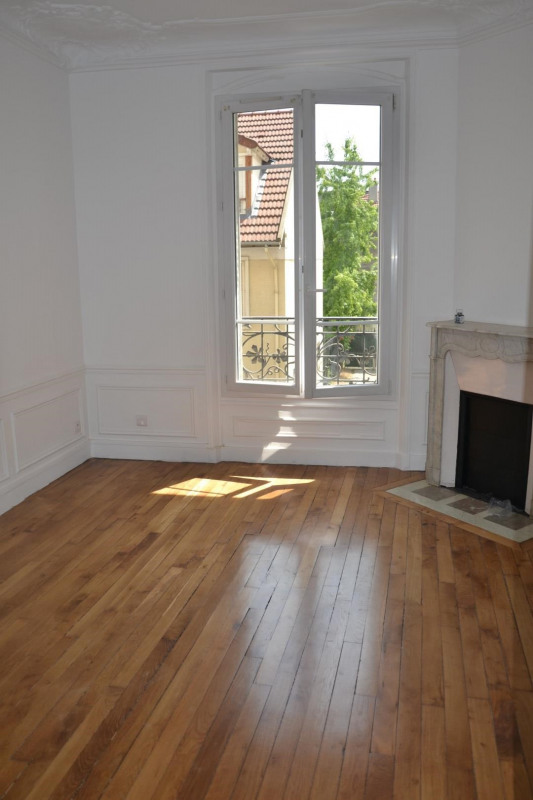 Location appartement Colombes 1310€ CC - Photo 2