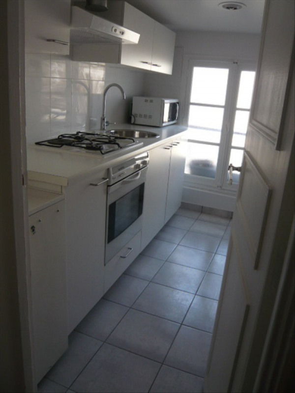 Rental apartment Paris 1er 1 316€ CC - Picture 3