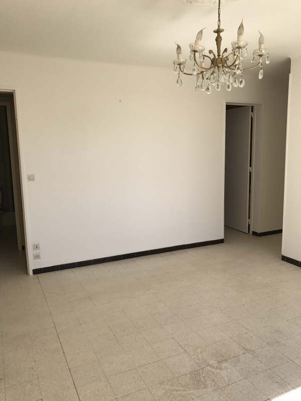 Location appartement Nimes 590€ CC - Photo 3