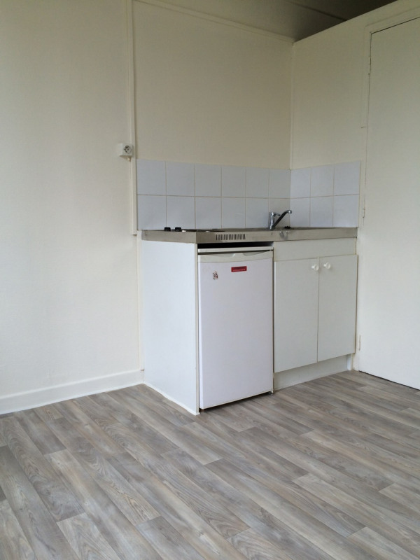 Location appartement Épinay-sur-seine 385€ CC - Photo 2