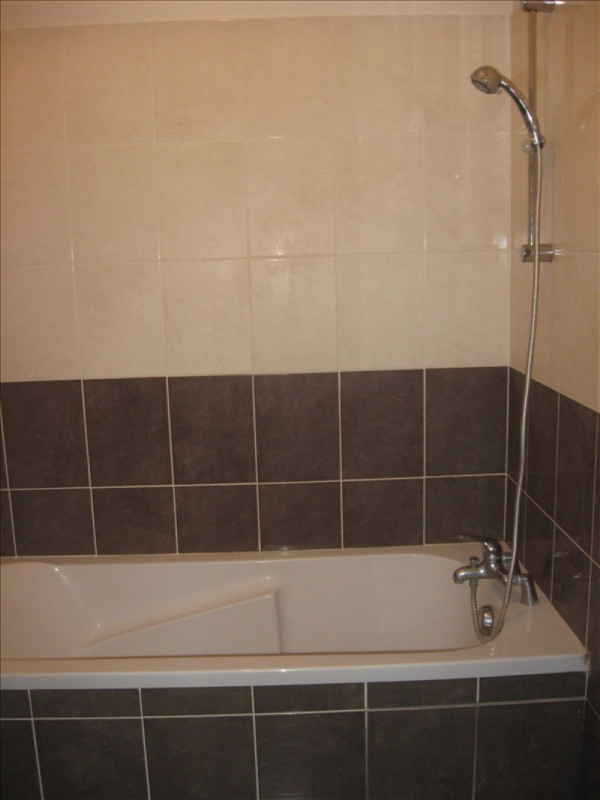 Location appartement Beligneux 950€ CC - Photo 10