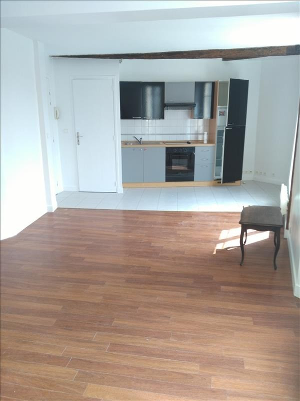 Location appartement Pontoise 840€ CC - Photo 2