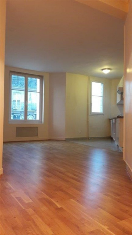 Location appartement Paris 16ème 1255€cc - Photo 2