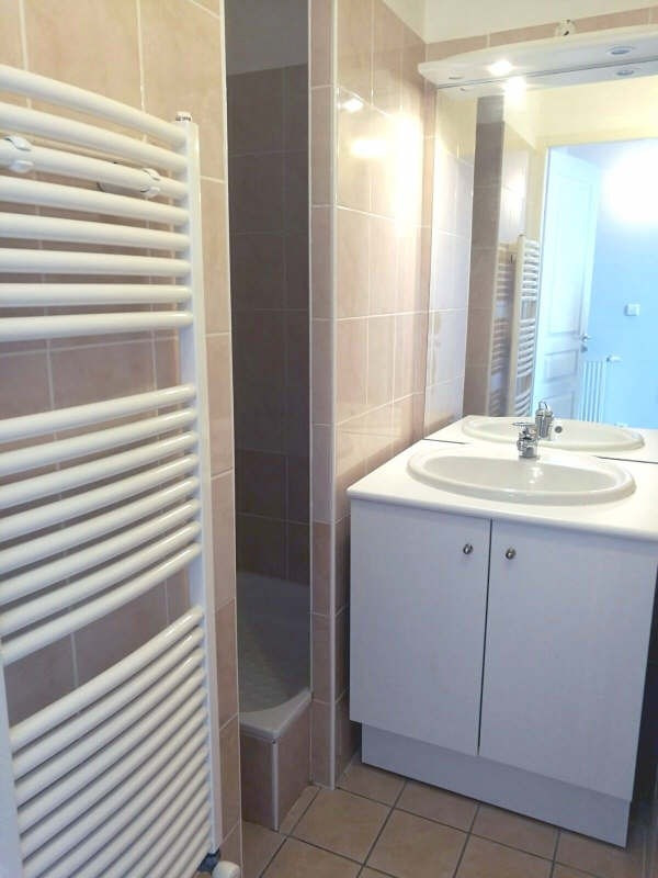 Location appartement St genis laval 850€cc - Photo 5