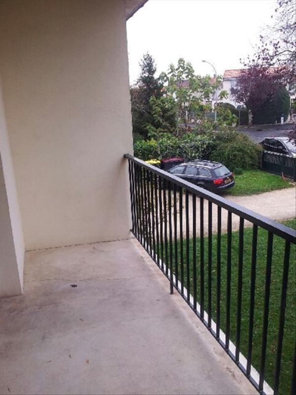 Rental apartment Soyaux 570€ CC - Picture 3