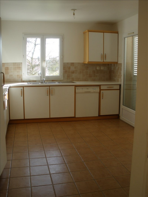 Location maison / villa Parmain 2 150€ CC - Photo 4