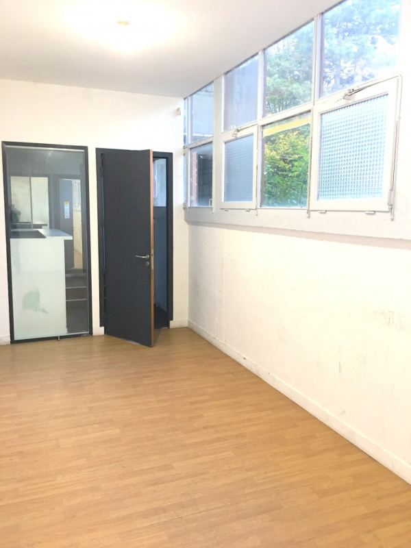 Rental empty room/storage Montreuil 2 175€ CC - Picture 8