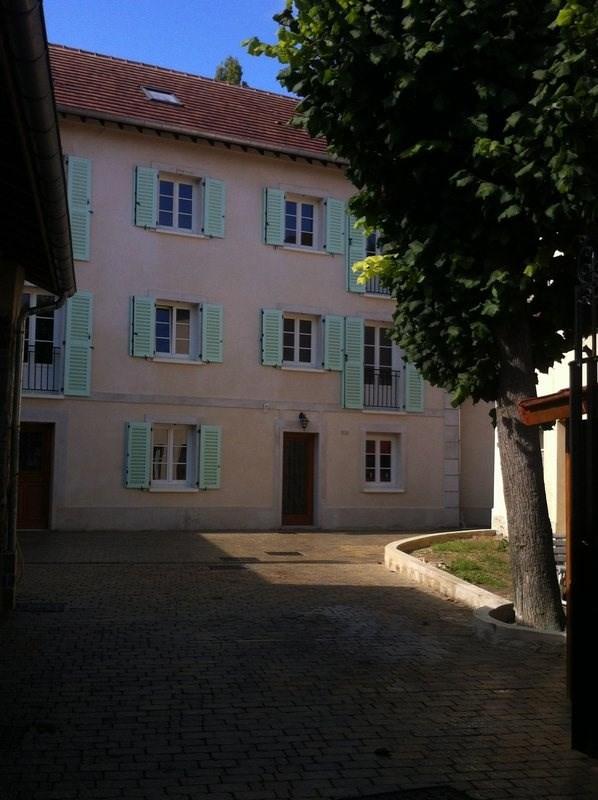 Locação apartamento Villennes sur seine 795€ CC - Fotografia 1