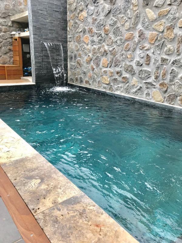 Rental house / villa Le port 2400€ CC - Picture 1