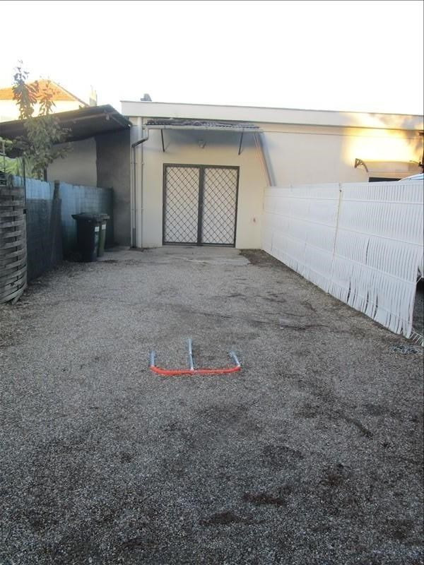 Location local commercial Carbon blanc 470€ +CH/ HT - Photo 1