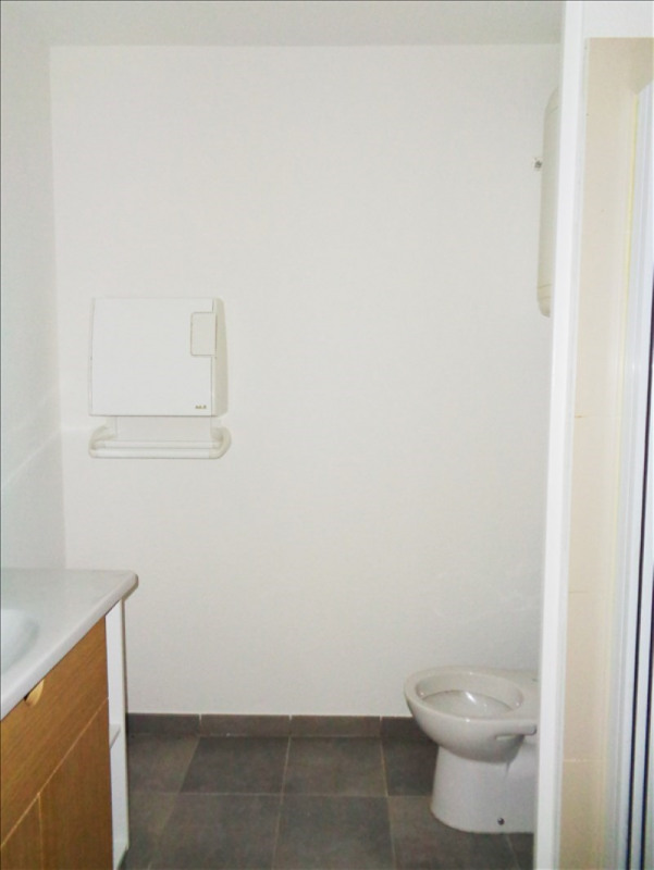 Location appartement Toulon 410€ CC - Photo 3