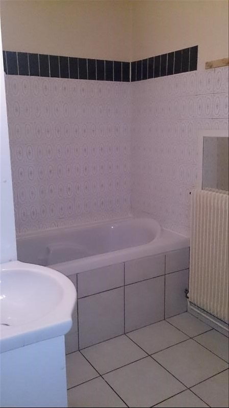 Rental house / villa La murette 702€ CC - Picture 8