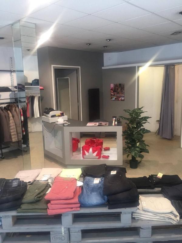 Commercial property sale shop Amplepuis 24500€ - Picture 3