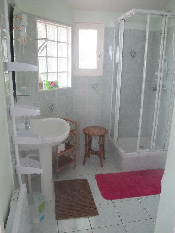 Vacation rental house / villa Chatelaillon-plage 330€ - Picture 4