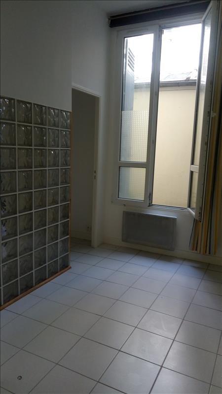Alquiler  apartamento Paris 18ème 1040€ CC - Fotografía 2