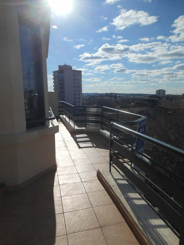 Rental apartment Nimes 745€ CC - Picture 2