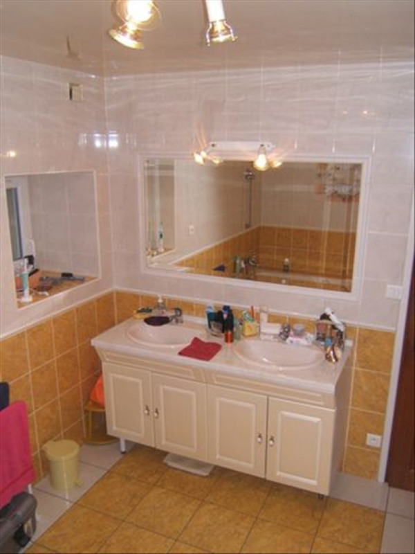 Sale house / villa Guegon 127200€ - Picture 8