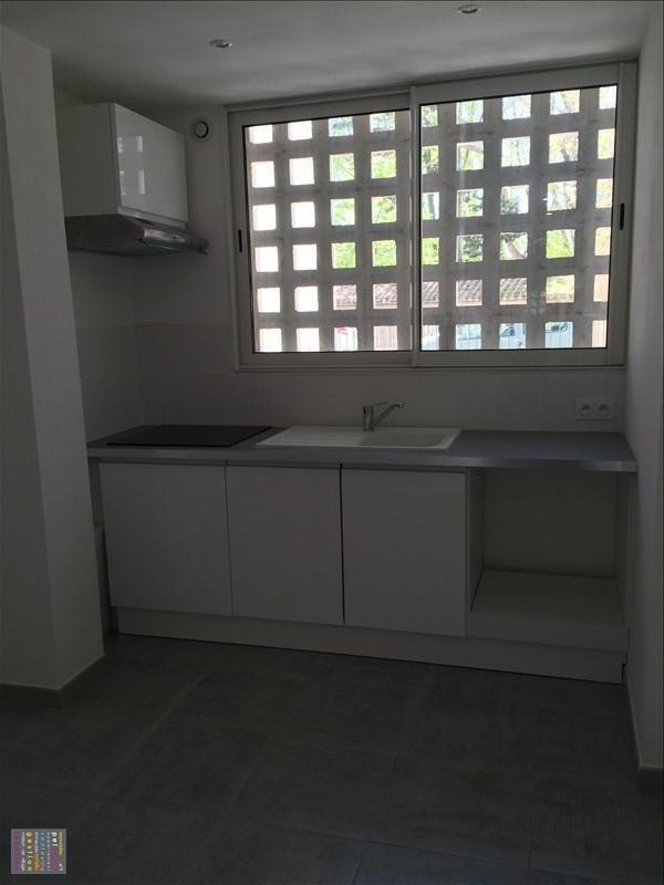 Rental apartment Salon de provence 830€ CC - Picture 3