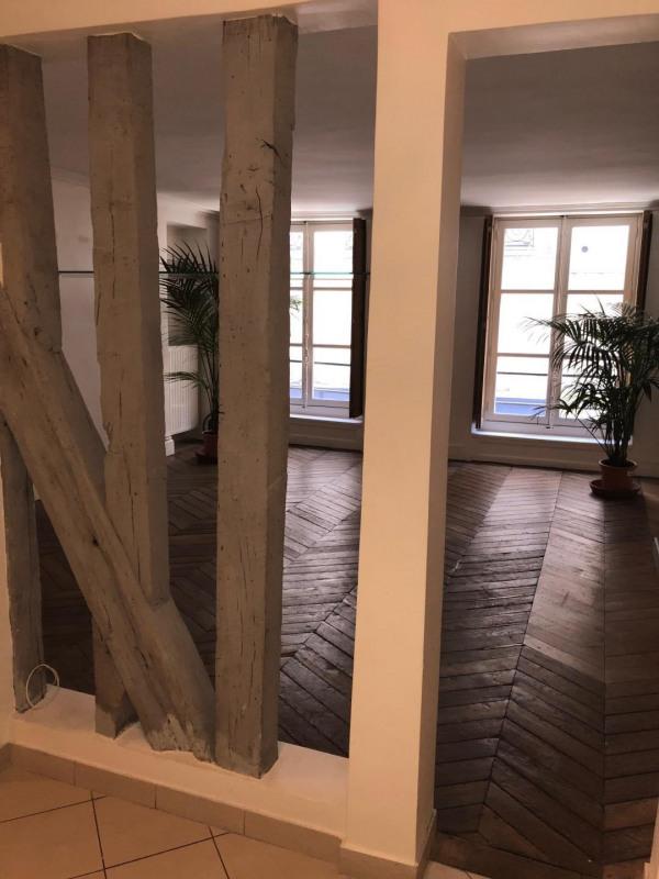 Rental apartment Paris 2ème 2420€ CC - Picture 3