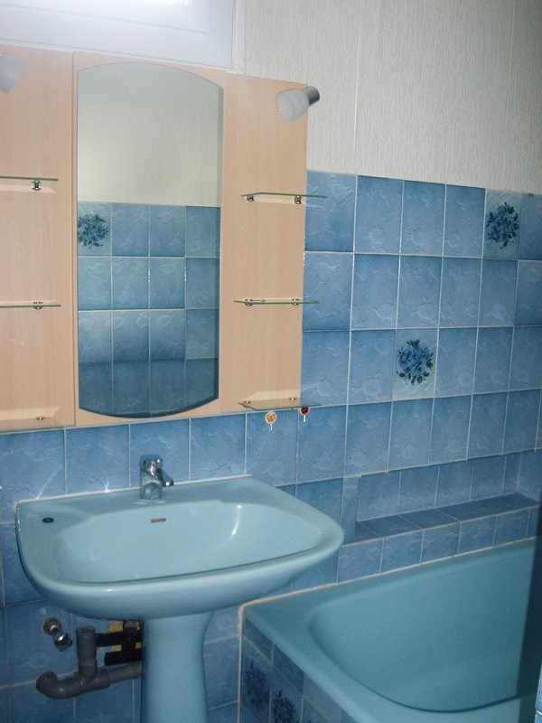 Location appartement St uze 475€ CC - Photo 5