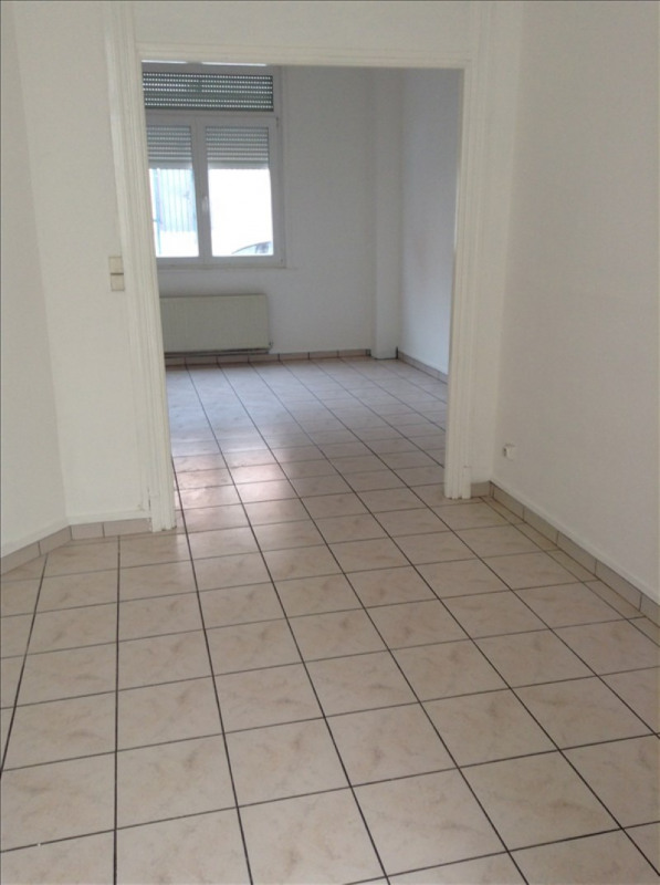 Rental apartment St quentin 443€ CC - Picture 1