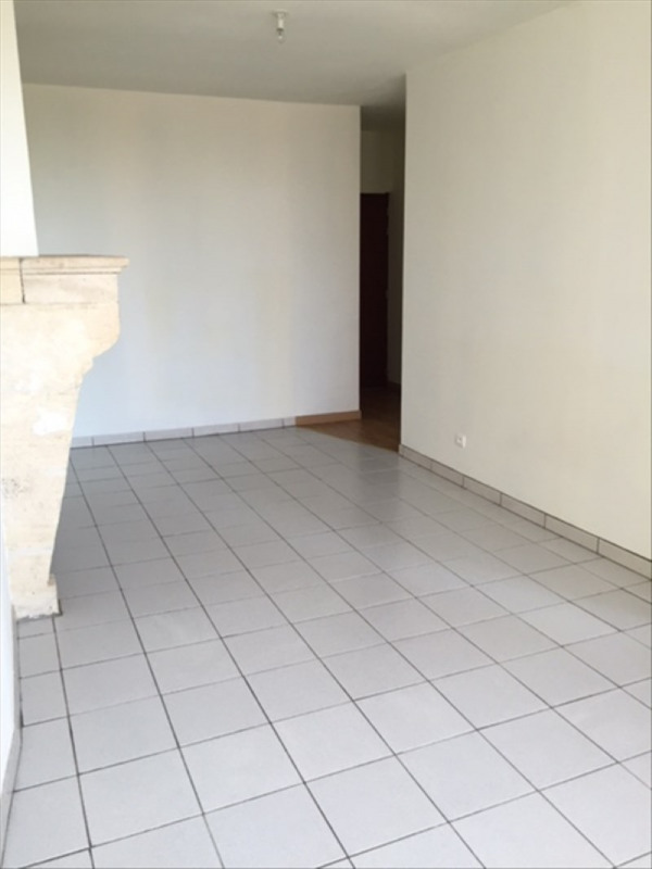 Location appartement Sauveterre de guyenne 465€ CC - Photo 3