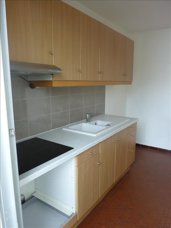 Location appartement Poissy 785€ CC - Photo 1