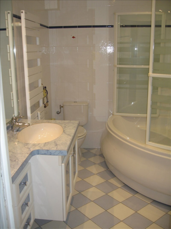 Rental apartment Antibes 1 250€ CC - Picture 3