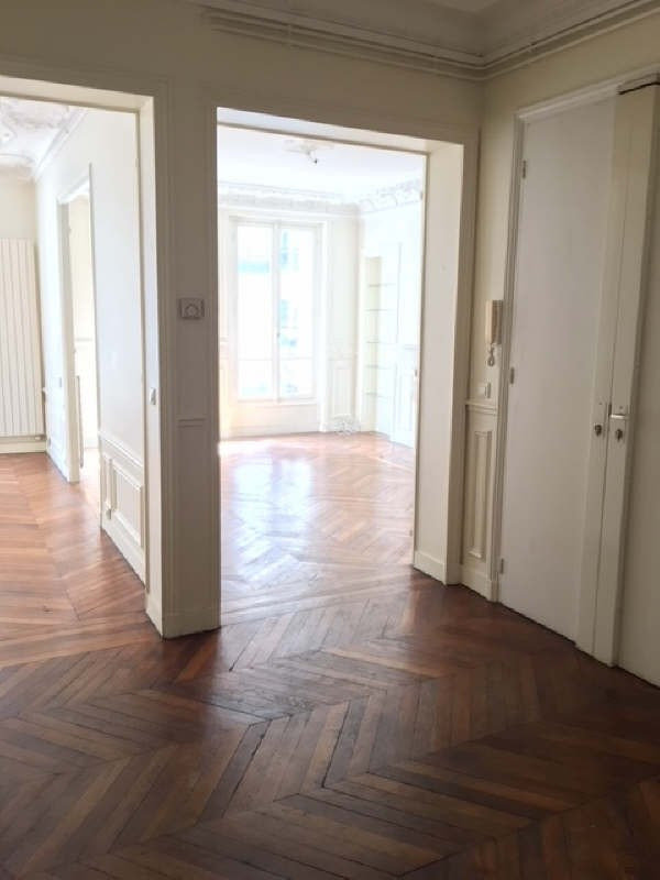 Location appartement Paris 16ème 3 190€ CC - Photo 3